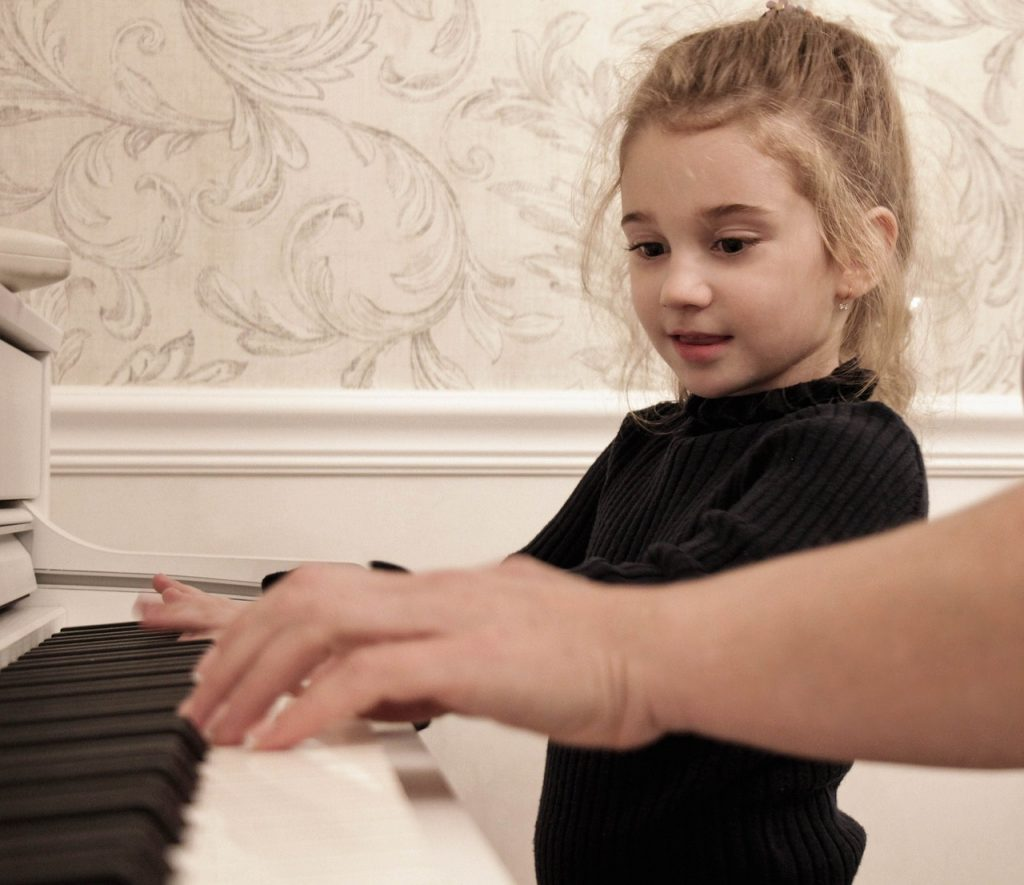 Piano playing will be a positive experience with a proper piano lesson and piano instruction.