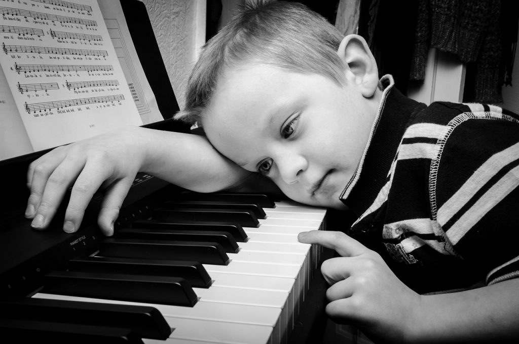 Piano practicing will be a positive experience with a proper piano lesson and piano instruction.