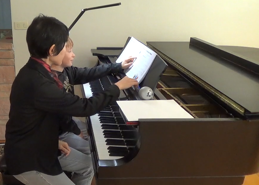 Emiko-Hori-Piano-Lesson-Mercer-Island-WA-1